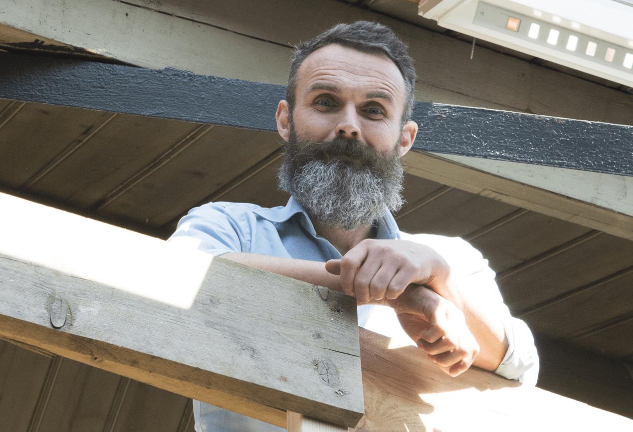 Bewoner bij ontwerp loft en de architectuur betrekken