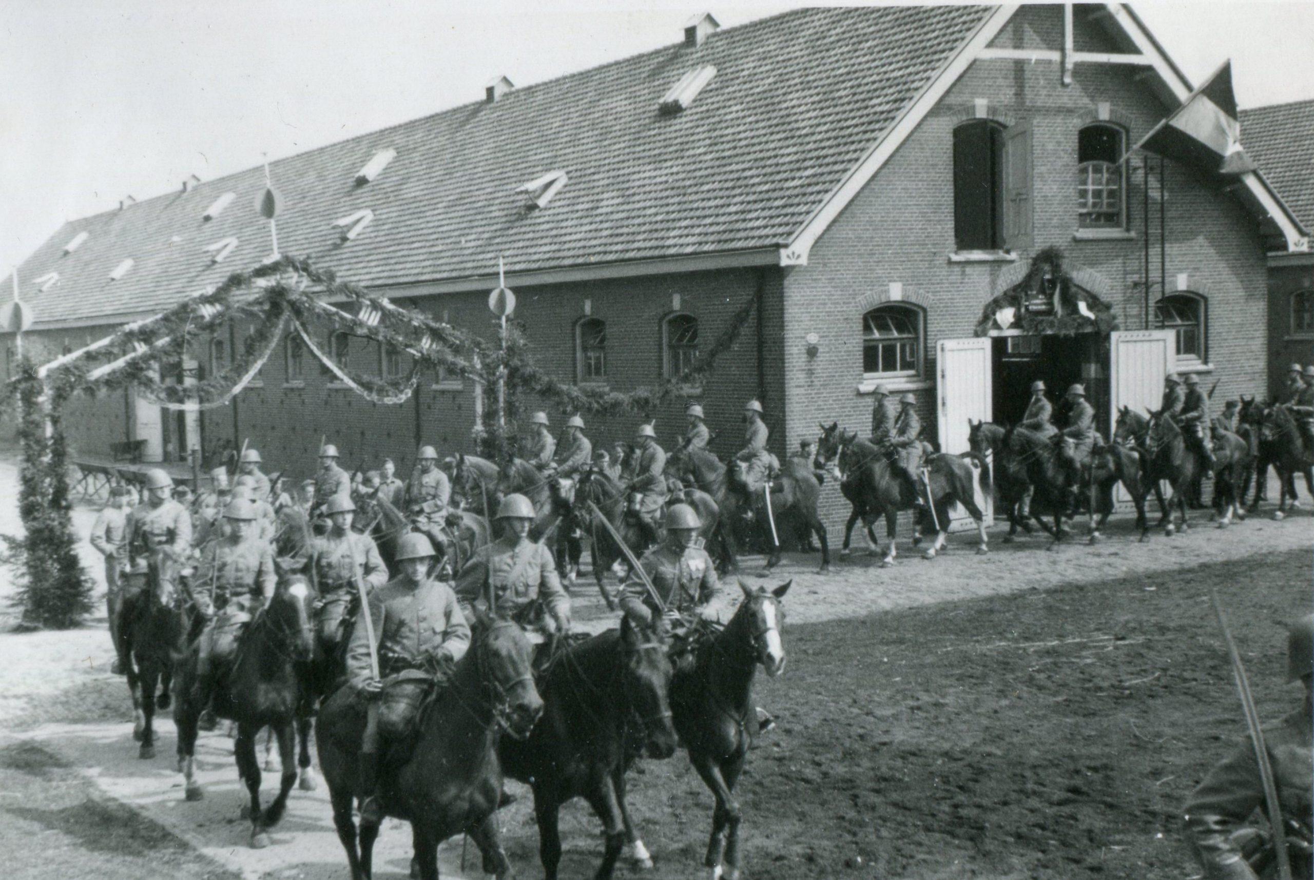 Oude militaire stal Ede, inmiddels door Arnhemse architect herbestemd tot woon werkwoningen en loft